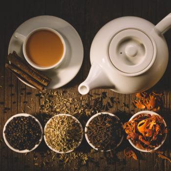 Sprawdź skuteczne i bezpieczne ziołowe herbatki na trawienie